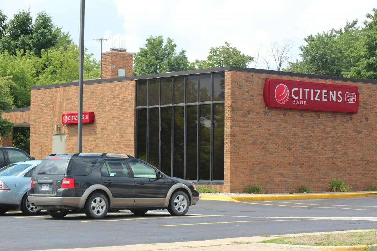 CHANGING HANDS: Citizens Bank Co. has entered into a definitive agreement to merge with First Merit. The bank will be rebranded to the First Merit name after the agreement is complete in 2013. (Herald Review file photo)