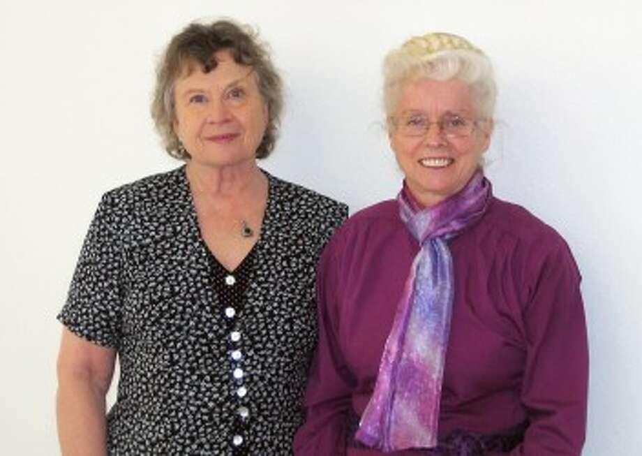 Linda Kelley (right)