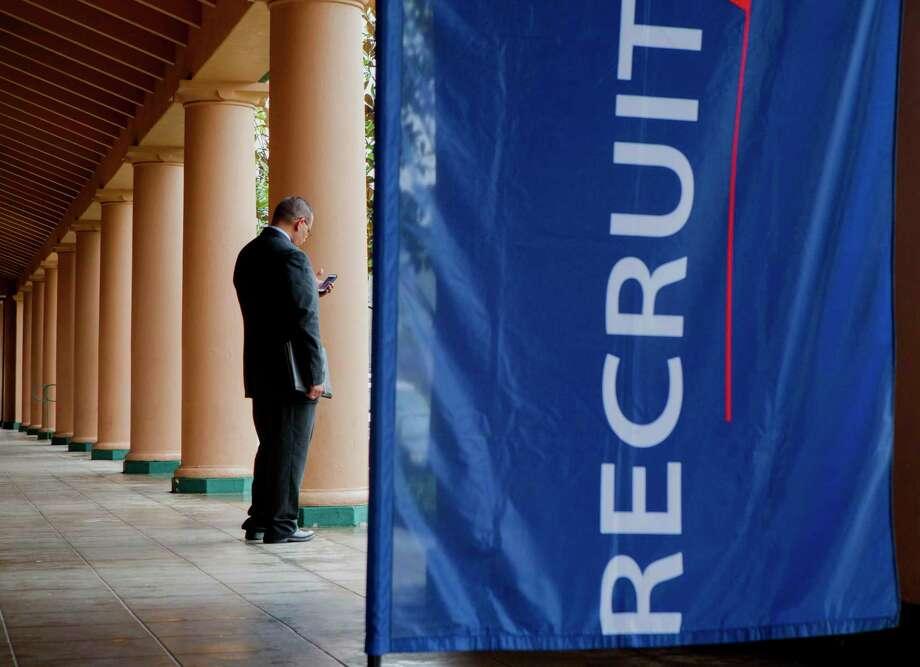 DAV, a veterans advocacy and assistance group, and RecruitMilitary will host a job fair for veterans Thursday. Photo: Sam Hodgson / Bloomberg / © 2014 Bloomberg Finance LP
