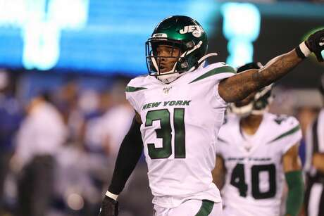 EAST RUTHERFORD, NEW JERSEY - AUGUST 08: Cornerback Derrick Jones #31 of the New York Jets in action against the New York Giants during their Preseason game at MetLife Stadium on August 08, 2019 in East Rutherford, New Jersey. (Photo by Al Pereira/Getty Images)