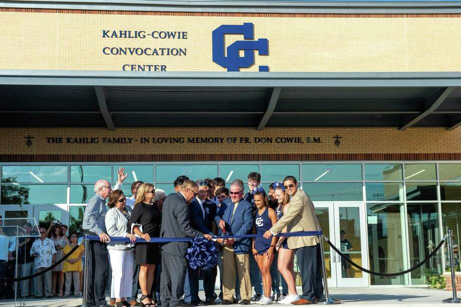 Central Catholic students, alumni and supporters cheer as the ribbon is cut on the newly opened 40,000-square-foot Kahlig-Cowie Convocation Center. A dedication ceremony was held Saturday. Photo: Courtesy Mark Mahavier / Marx Foto