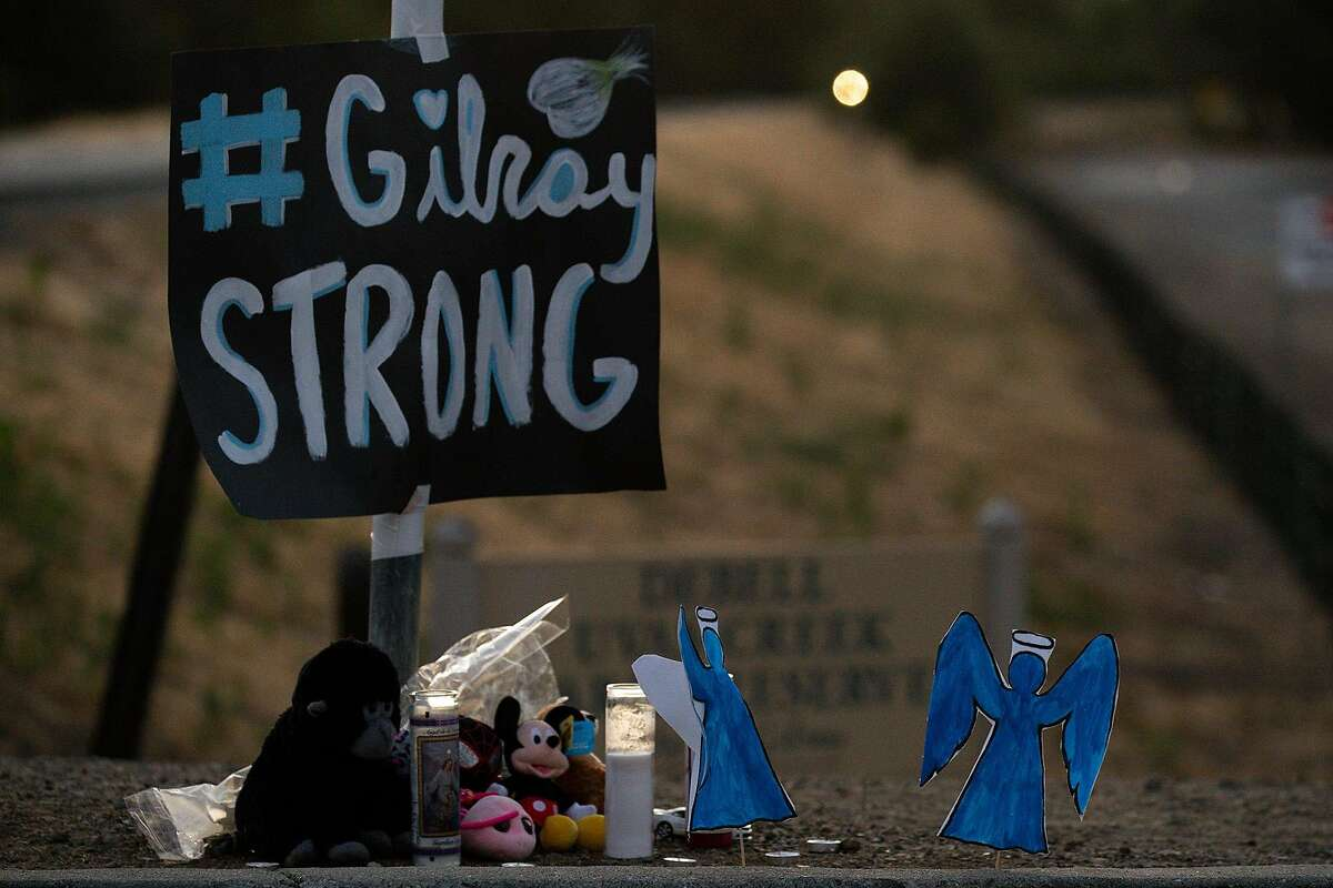 A memorial at Gilroy City Hall on Monday, July 29, 2019, following a mass shooting in Gilroy, Calif. (Kent Nishimura/Los Angeles Times/TNS)