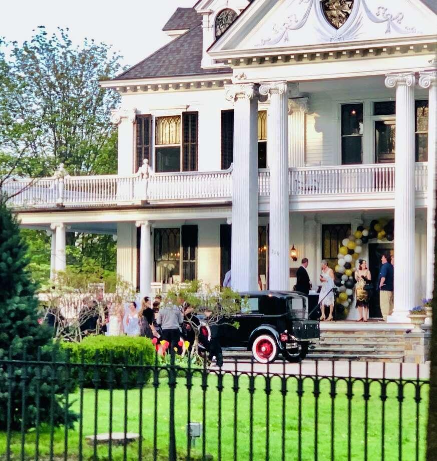 Ridgefield Academy's gala at Lounsbury House May 10 had a Great Gatsby theme. Photo: Contributed Photo / Ridgefield Academy