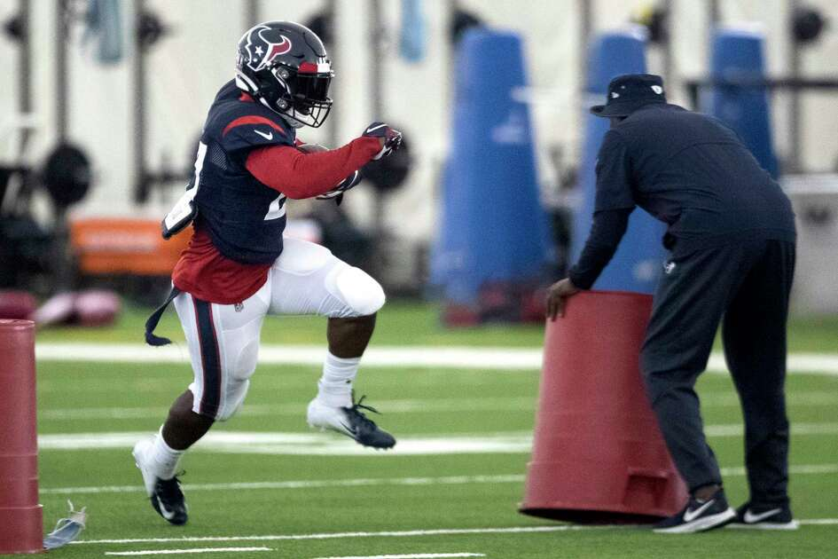 Houston Texans running back Duke Johnson (27) runs the ball during training camp at the Methodist Training Center on Tuesday, Aug. 20, 2019, in Houston.