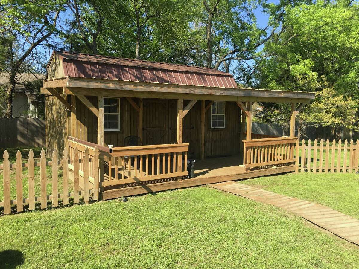 Quitman ENTIRE GUESTHOUSE By The Lake Cabin 3 guests · Studio · 1 bed · 1 bath Air conditioning · Wifi · Free parking 4.73 /15 reviews Price:$48/night