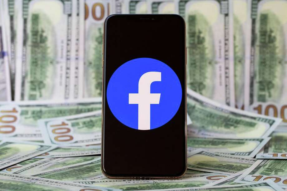 Major brands say they won't spend money on Facebook ads in July. Photo: Angela Lang/CNET