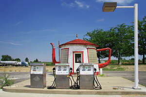 Teapot Dome Gas Station, Zillah : Constructed in 1922, the gas station was inspired by a  political scandal , but now remains as Zillah's welcome center.