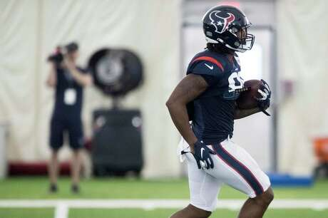 """The Texans envision Jordan Akins having a multidimensional role with the team. """"He's a valuable guy,"""" coach Bill O'Brien said. """"He does a lot of different things. … He does a good job."""""""
