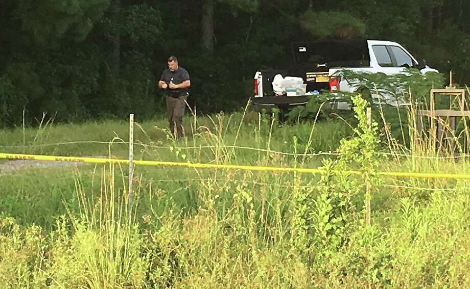 Vidor police investigate at the scene where a body was located Tuesday. Photo provided by Eric Williams Photo: Eric Williams / BEN
