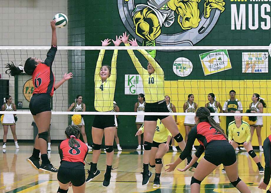 Irma Cortez had nine kills, 21 digs, 12 assists, seven points and three aces in Martin's 3-0 (25-18, 28-26, 25-20) win Tuesday at Nixon. Photo: Cuate Santos /Laredo Morning Times / Laredo Morning Times