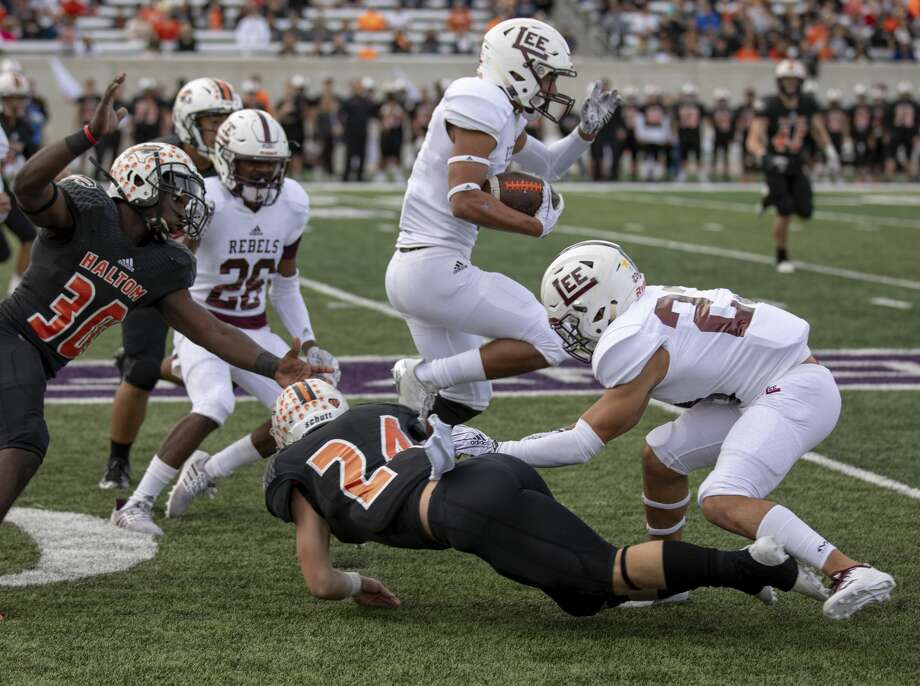 FILE PHOTO: Lee's Karl Taylor weaves through Haltom's defense Nov. 24, 2018. Photo: Jacy Lewis/191 News