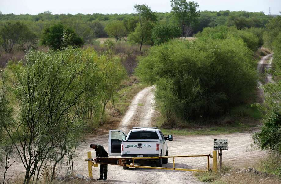A U.S. Border Patrol agent's associate was recently sentenced to 48 months in prison after he was accused of facilitating drug trafficking in the United States. Photo: Bob Owen, STAFF-photographer / San Antonio Express-News / ©2018 San Antonio Express-News