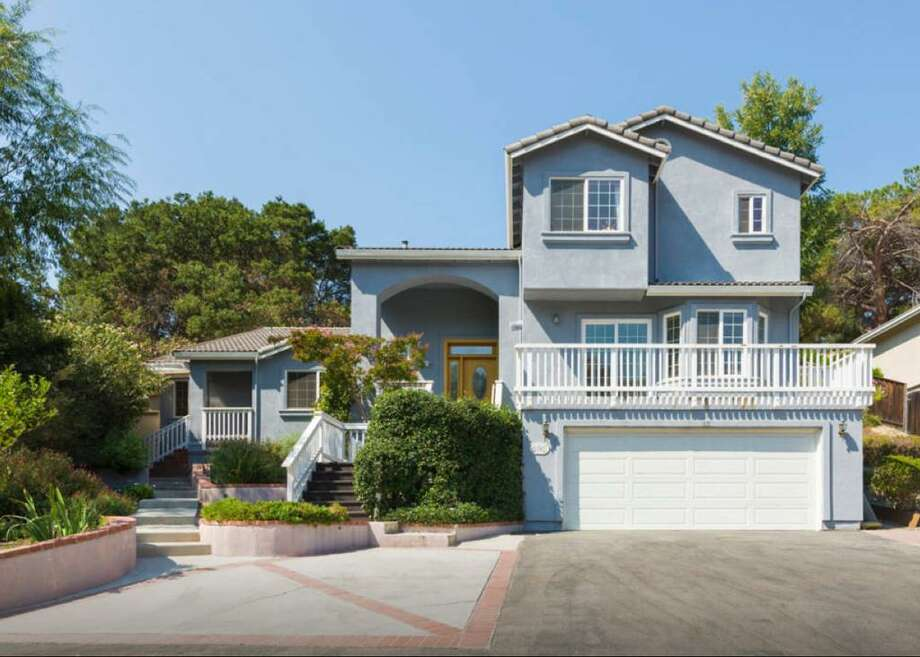 The shared housing site Cohouse.com features a listing for the Los Altos home where Mark Zuckerberg and friends lived in the early days of launching Facebook. Photo: Cohouse.com