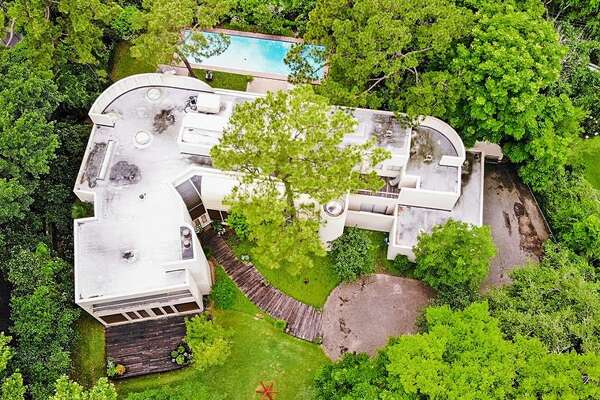 7. 4004 Inverness Drive, HoustonHouse sold: $3.3 million - $3.8 million5 bed | 5 full & 1 half bath | 7,048 sq. ft.