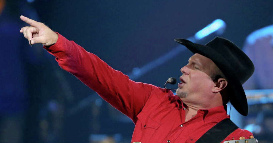 Country star Garth Brooks will broadcast a