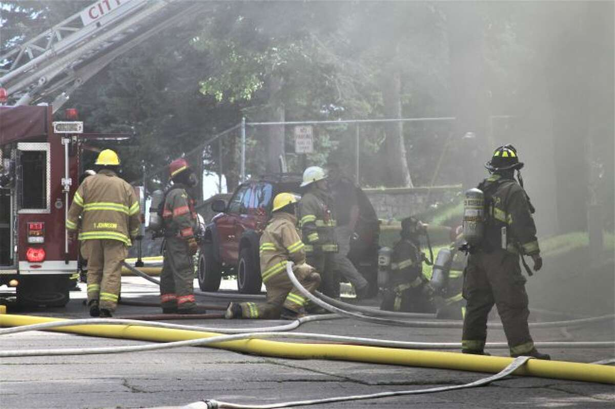 Crews are at the scene of a fully engulfed structure fire in Manistee. (Ashlyn Korienek/News Advocate)