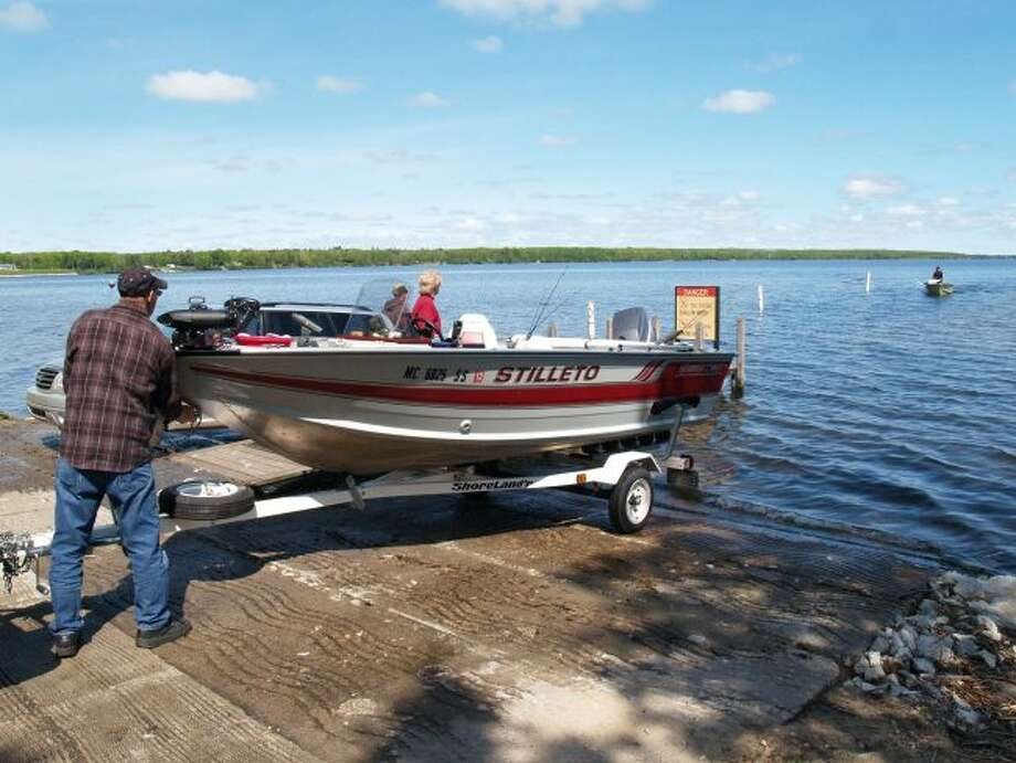 Boaters get ready to launch their boat at Indian Lake State Park. (Courtesy photo/Michigan DNR)