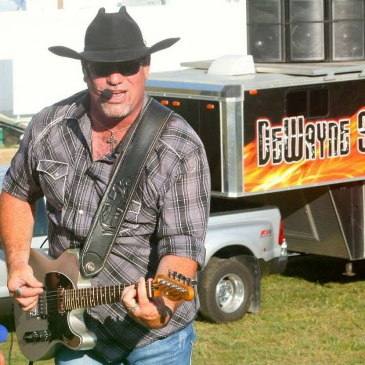 Country music entertainer DeWayne Spaw will be the emcee during the Manistee News Advocate's Battle of the Bands on Saturday at the Little River Casino Resort in Manistee. (Courtesy photo)