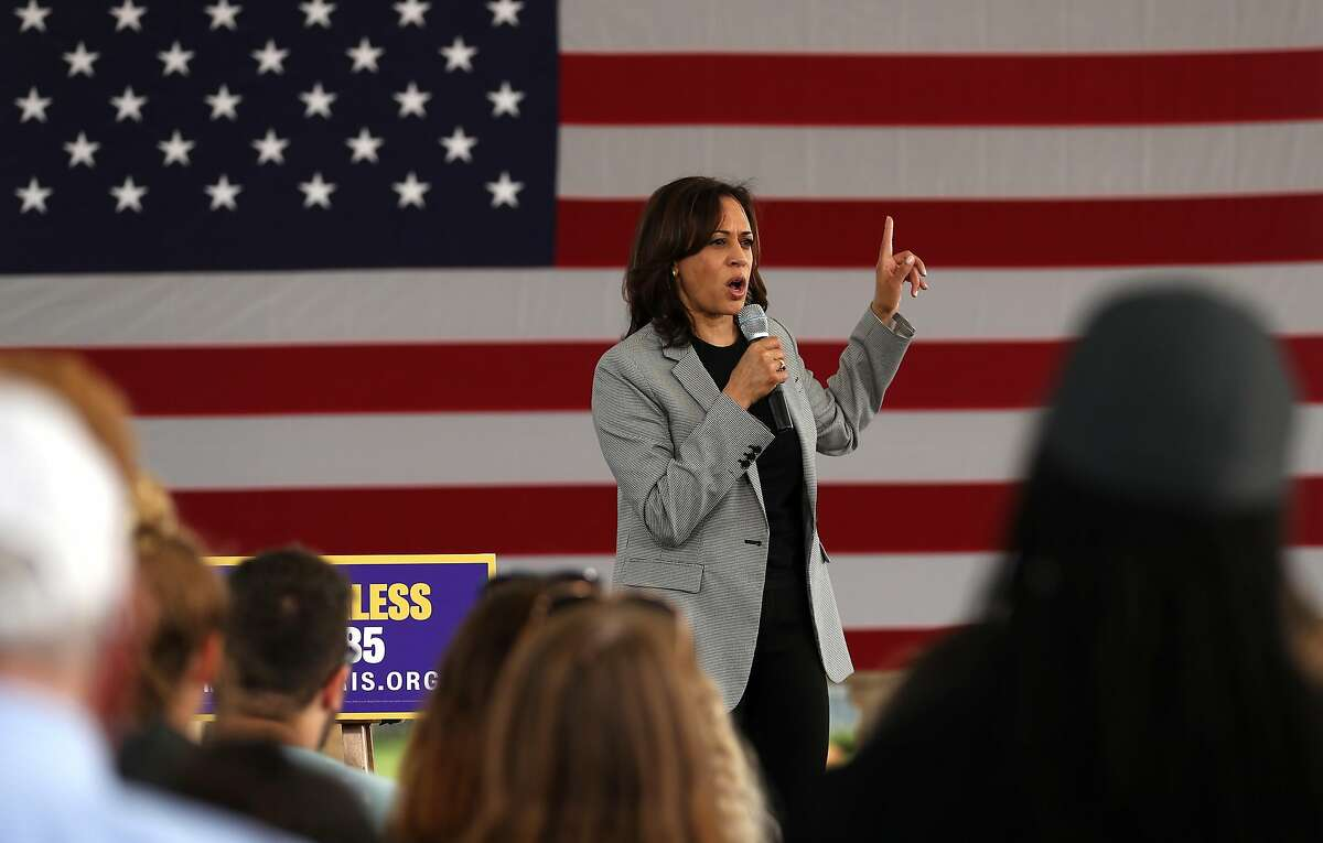 SIOUX CITY, IOWA - AUGUST 08: Democratic presidential hopeful U.S. Sen Kamala Harris (D-CA) speaks during a campaign rally on August 08, 2019 in Sioux City, Iowa. Kamala Harris kicked off her five day river-to-river bus tour across Iowa promoting her
