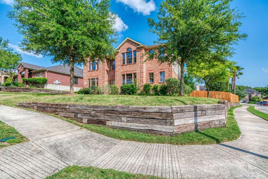 400 Whitetail Pass, Schertz, TX 78154
