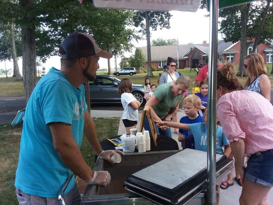 Harwinton Public Library's summer reading finale ended on a sweet note this year, with Italian ice provided by Chet's Italian Ice. Photo: Harwinton Library / Contributed Photo /