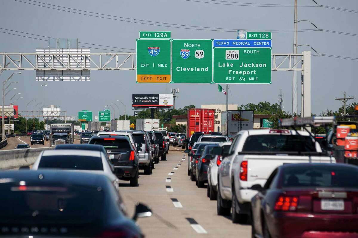 Traffic travels up Interstate 69 towards downtown Houston on June 12, 2019. The area could significantly change if current plans for redevelopment of Interstate 45 proceed.