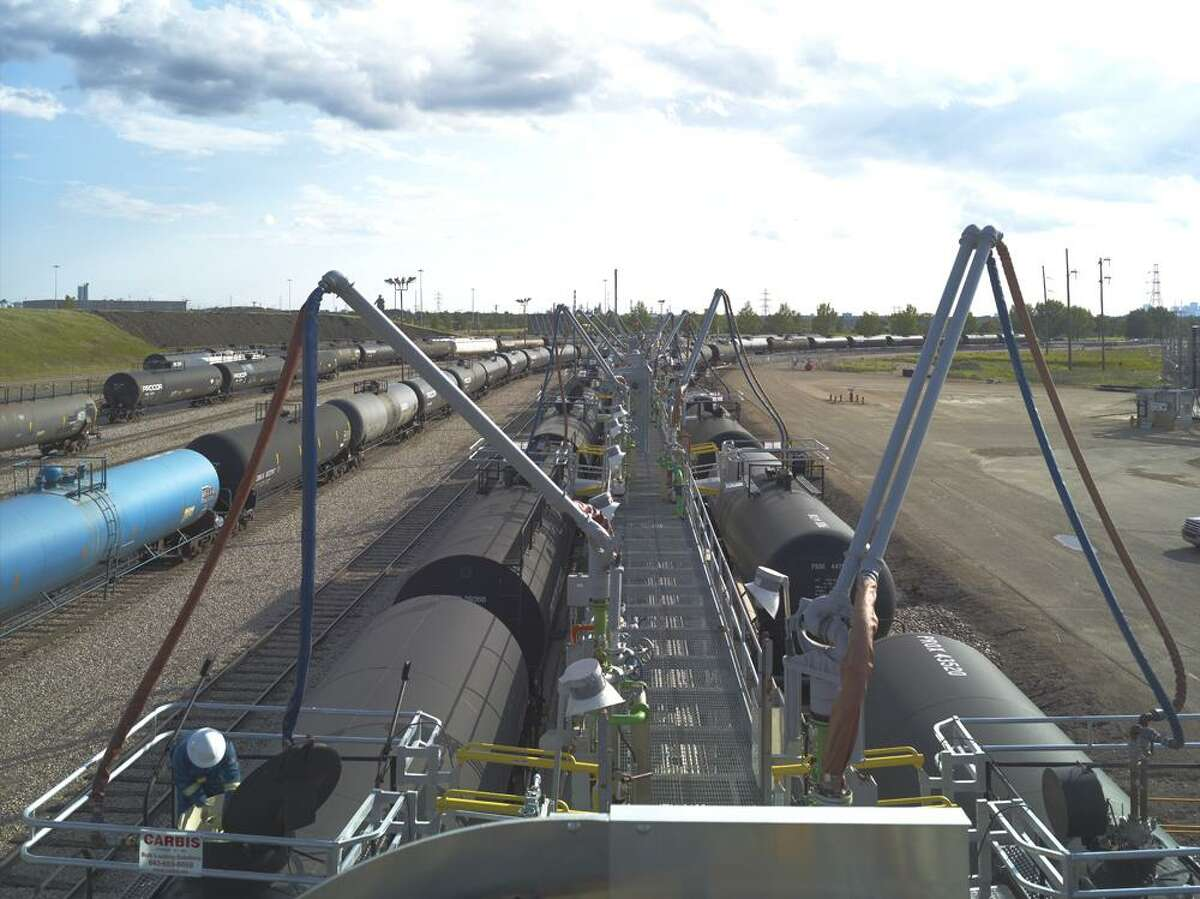 The Keyera Alberta Diluent Terminal is located adjacent to the new Alberta Crude Terminal in Edmonton, Alberta, Canada. The Alberta Crude Terminal is a 50-50 joint venture by Houston s Kinder Morgan Energy Partners and Canadian midstream company Keyera Corp.