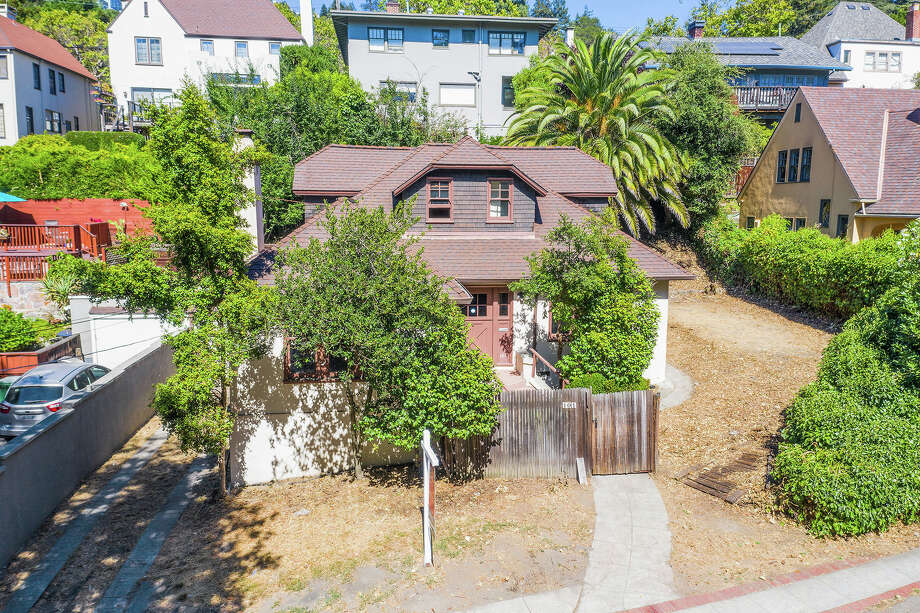 This 1920s Craftsman in Claremont for $799K is a spectacular fixer opportunity Photo: Open Homes Photography