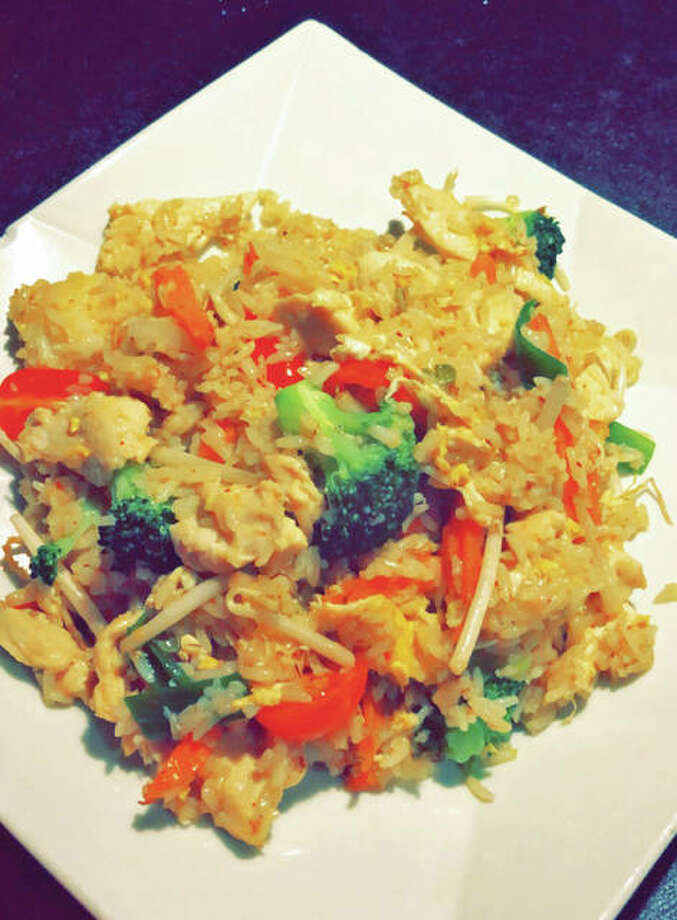 Thai fried rice with chicken Photo: Vicki Bennington|For The Edge