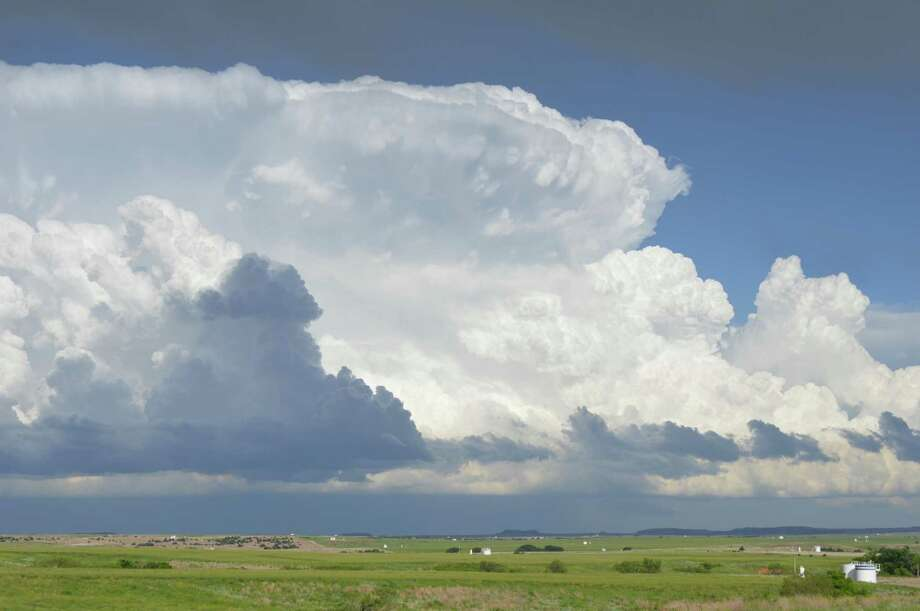 Storms tower to the east on May 18, viewed from Fort Supply, Okla. Photo: Washington Post Photo By Matthew Cappucci. / The Washington Post