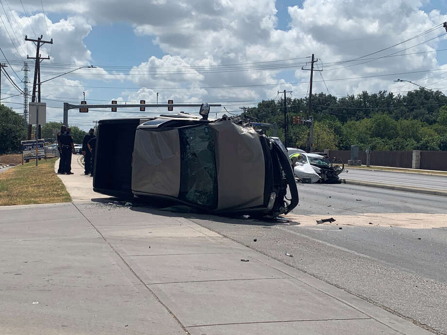 Major accident backs up traffic Thursday on the city's West Side at the intersection of Culebra Road and Old Frisson Road. Photo: Priscilla Aguirre