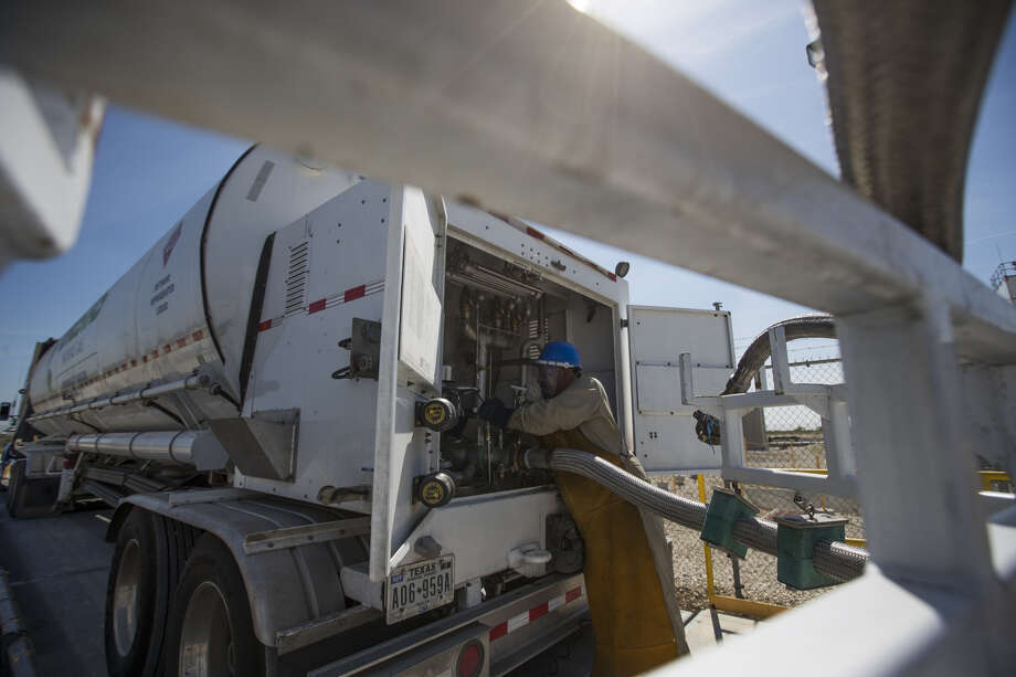 Houston liquefied natural gas company Stabilis Energy has entered into a pair of deals to expand its presence south of the border in Mexico. Photo: Marie De Jesus | Houston Chronicle