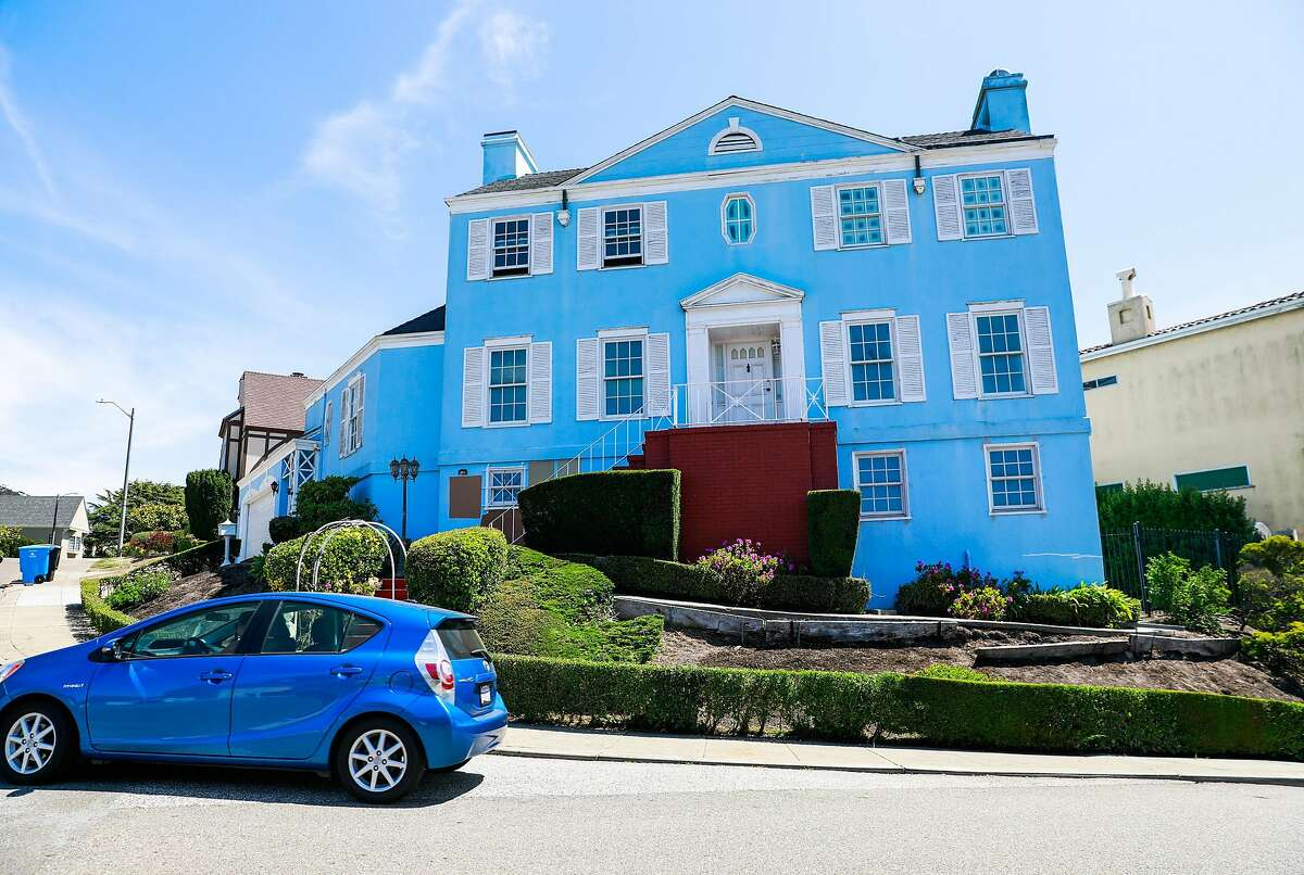 A house on Maywood Drive that Anna Chase and her roomates were recently evicted from in Monterey Heights in San Francisco, California, on Wednesday, Aug. 21, 2019. She rented a room through HubHaus, a startup that facilitates