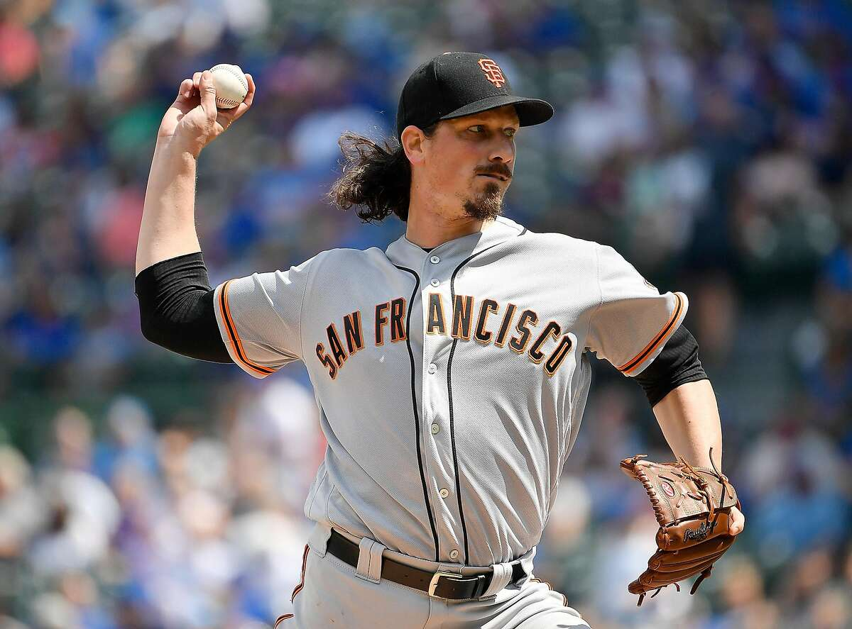 CHICAGO, ILLINOIS - AUGUST 22: Jeff Samardzija #29 of the San Francisco Giants delivers the ball in the first inning against the Chicago Cubs at Wrigley Field on August 22, 2019 in Chicago, Illinois. (Photo by Quinn Harris/Getty Images)
