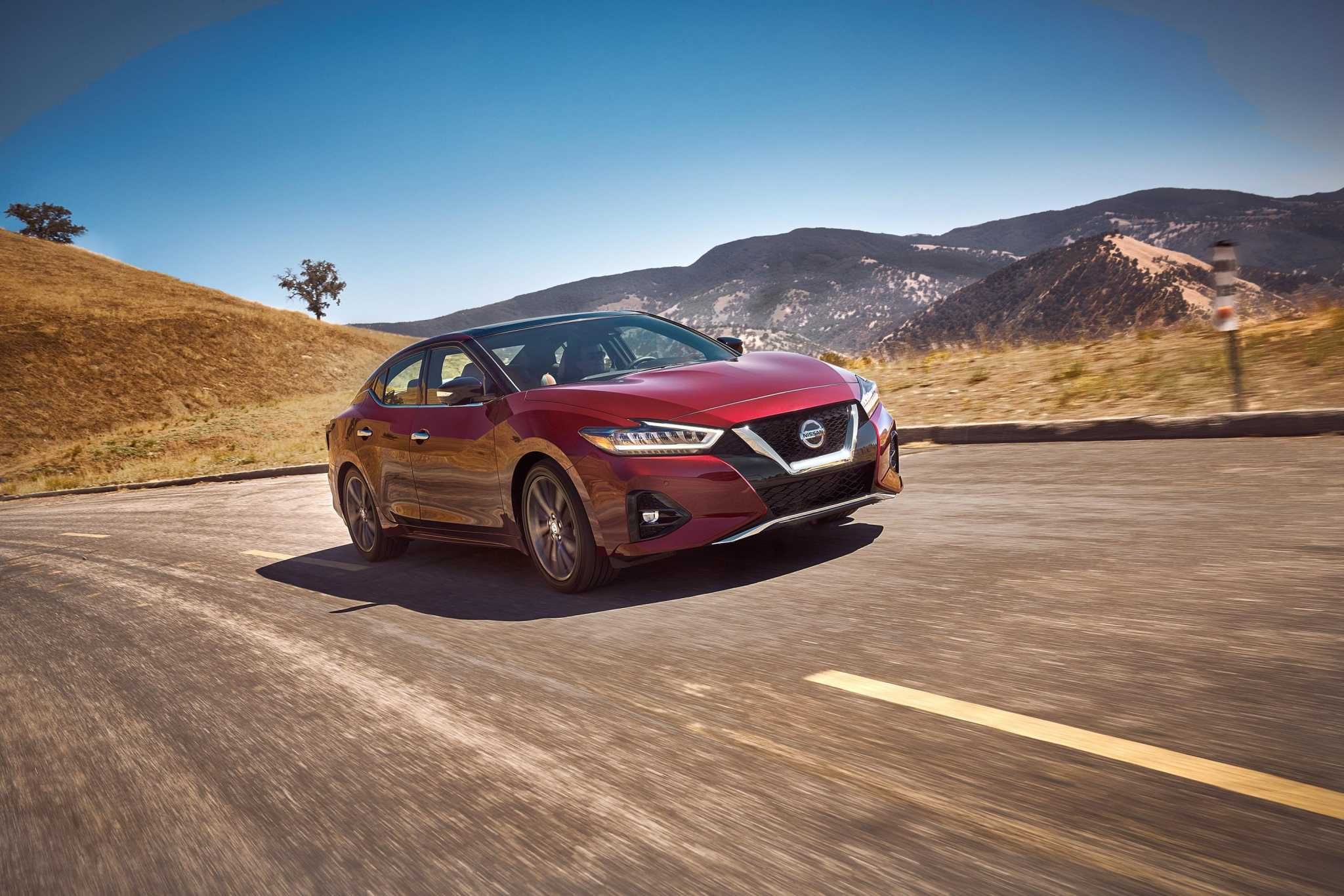 2019 Nissan Maxima: Enduring sedan mixes tradition with sportiness
