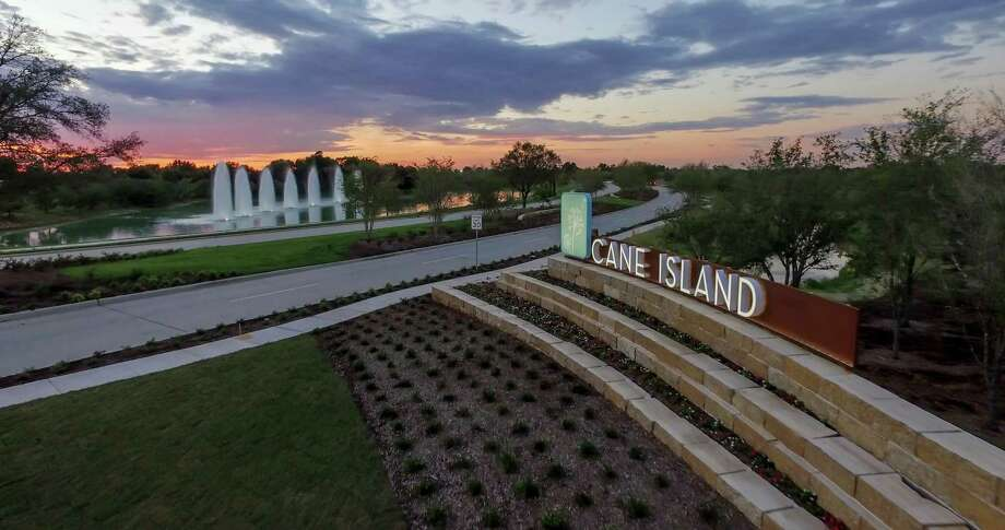 Katy's Cane Island offers a selection on new homes in gated neighborhoods and on cul-de-sac properties.