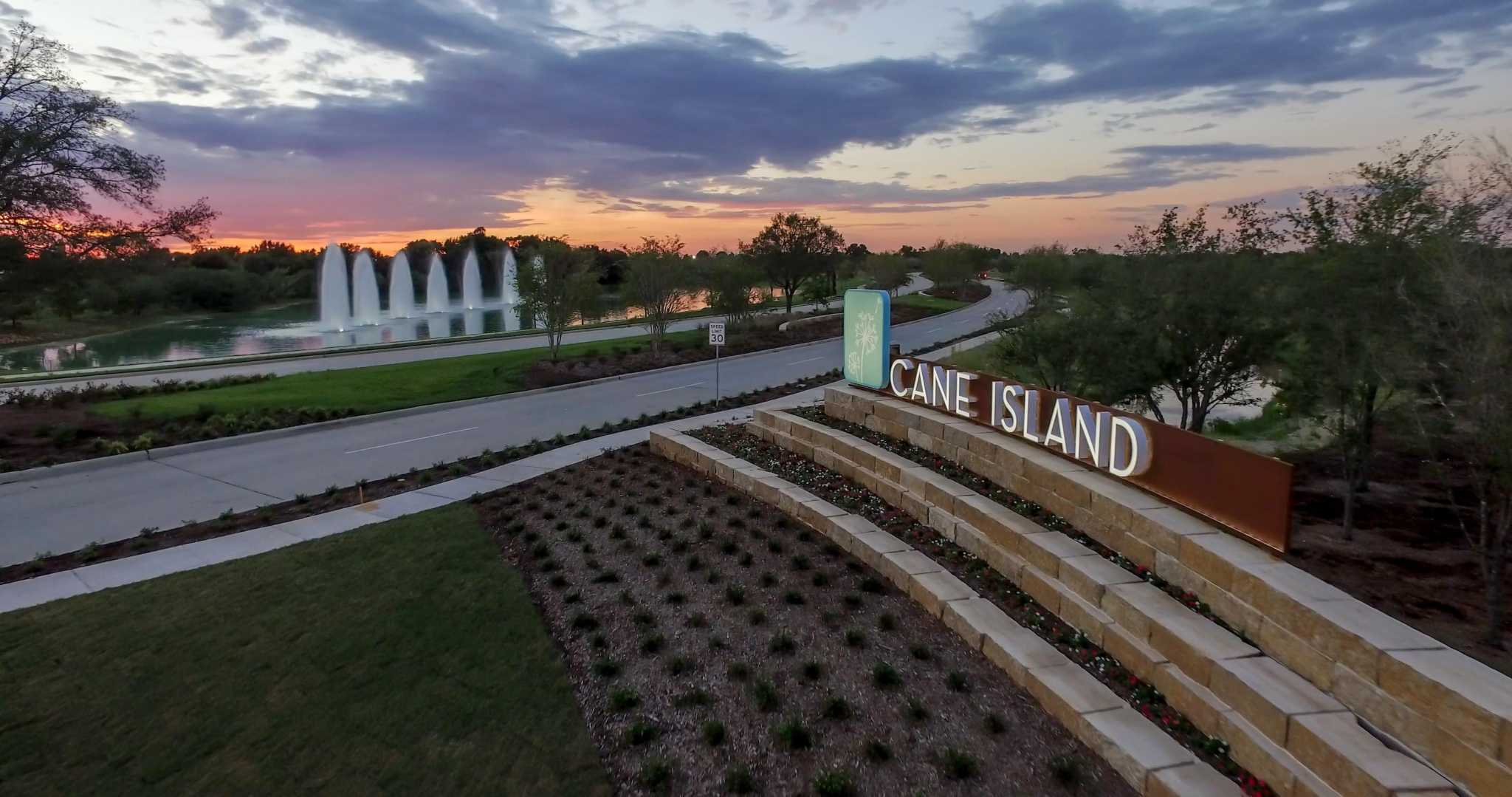 Buyers enjoy abundance of new home selections in Katy's Cane Island