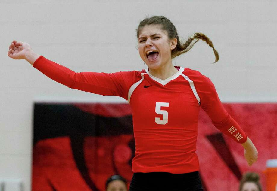 Porter's Meadow Housman (5) pumps her fist in the first set of a match during the Splendora tournament at Splendora High School, Wednesday, Aug. 22, 2019, in Splendora. Photo: Jason Fochtman, Houston Chronicle / Staff Photographer / Houston Chronicle