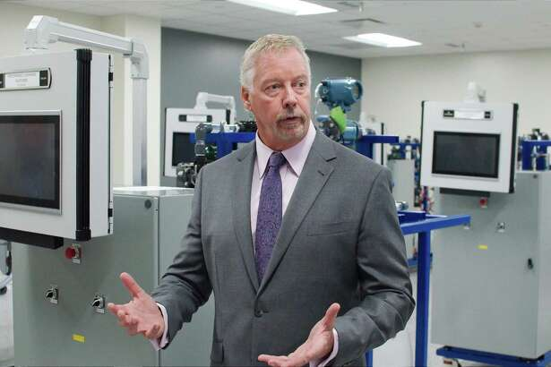Jim Griffin, San Jacinto College's associate vice chancellor and senior vice president of the Center for Petrochemical, Energy and Technology, describes the new facility.
