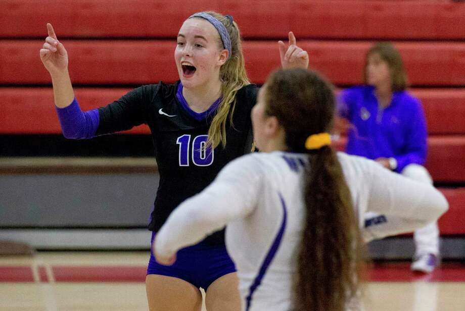 Willis setter Isabelle Sunquist (10) reacts after scoring a point in the second set of a match during the Huffman Varsity Volleyball Tournament at Huffman High School, Friday, Aug. 9, 2019, in Huffman. Photo: Jason Fochtman, Houston Chronicle / Staff Photographer / Houston Chronicle