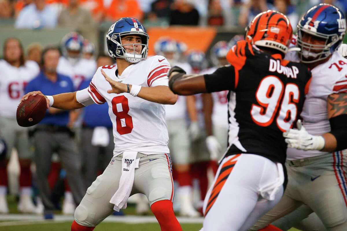New York Giants quarterback Daniel Jones (8) looks for a receiver during the first half of the team's NFL preseason football game against the Cincinnati Bengals, Thursday, Aug. 22, 2019, in Cincinnati. (AP Photo/Frank Victores)