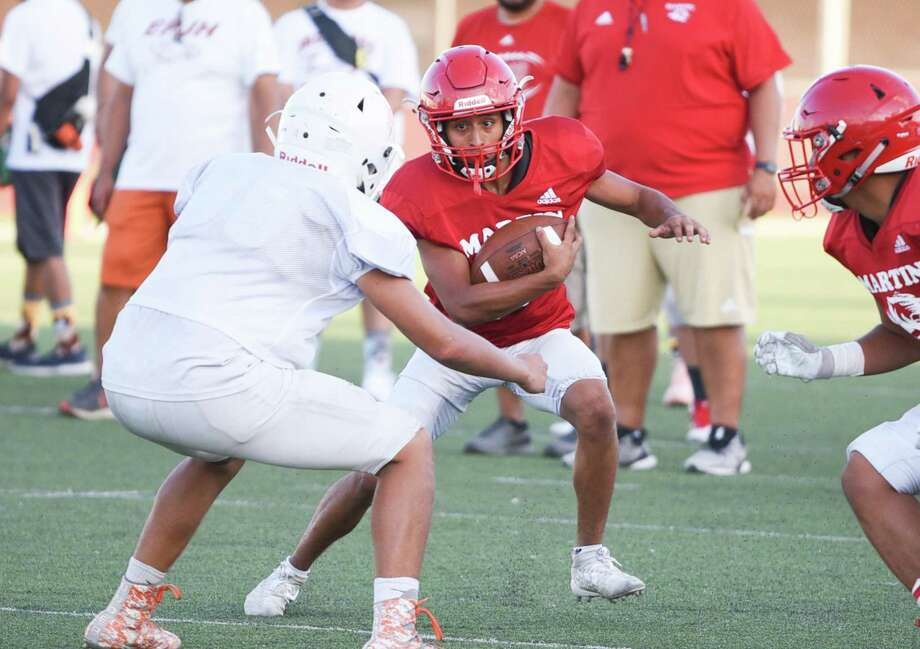 Andres Salazar was Martin's No. 2 running back during a scrimmage against Eagle Pass Thursday. Photo: Danny Zaragoza /Laredo Morning Times