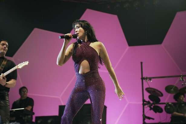 Based on the headline-grabbing best seller written by journalist Maria Celeste Arrarás, 'El Secreto de Selena' is a controversial series about the life ofthe legendary queen of Tex-Mex music