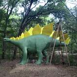 Take a tour of Dinosaur Park Texas and take your picture