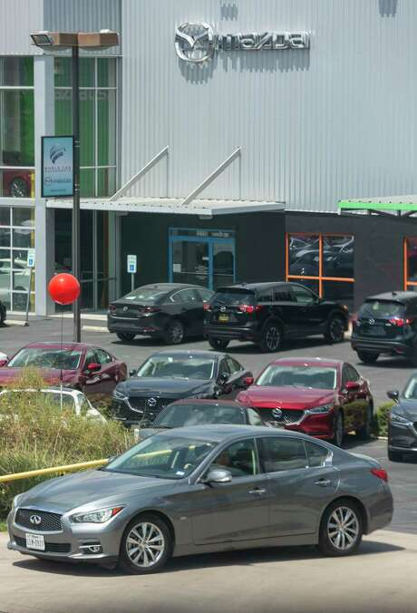 World Car Mazda North   is accused of failing to make repairs that stem from a recall.