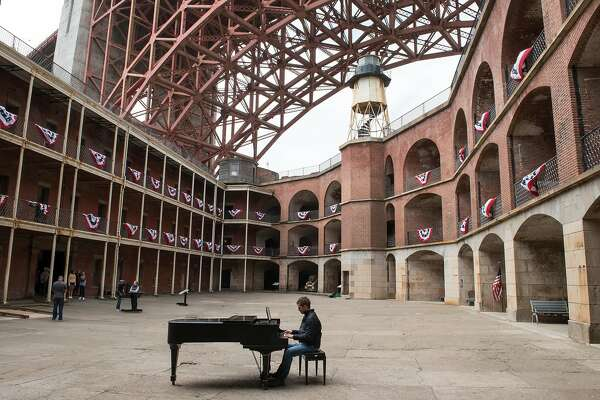 Pianos bring creativity, inspiration to San Francisco's Fort Point