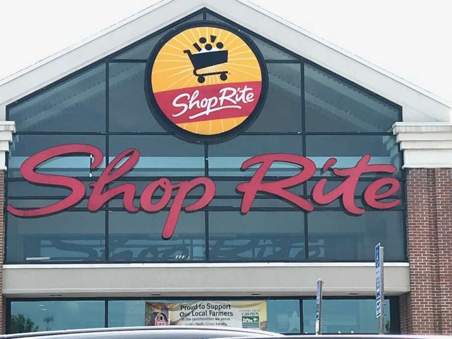 An exterior view of the Wallingford ShopRite. The grocery chain is one of a number of Connecticut retailers that are now charging customers 10 cents for every paper bag they use. Photo: Luther Turmelle / Hearst Connecticut Media