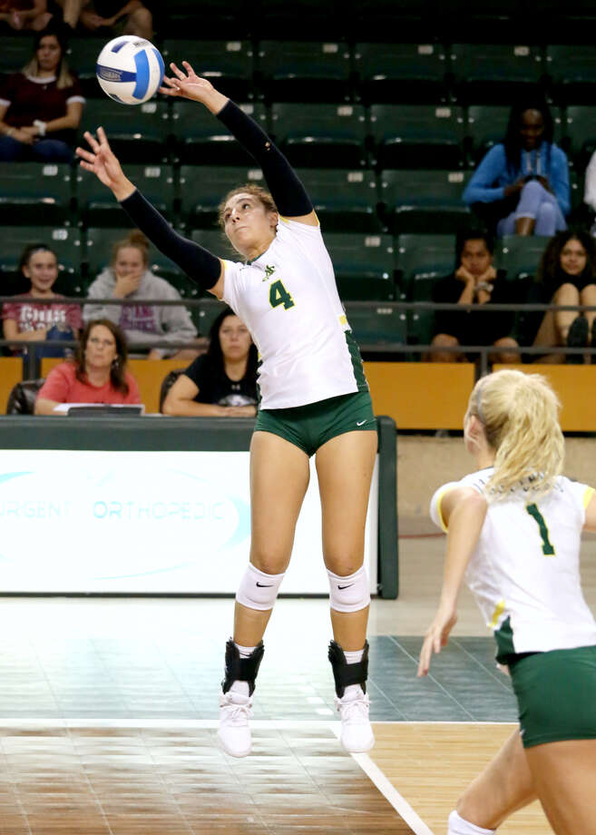 Midland College's Lina Espejo-Ramirez goes for the dump shot versus Blinn College, Friday at Chaparral Center. Photo courtesy of Forrest Allen, Midland College athletics Photo: Forrest Allen,  Midland College Athletics