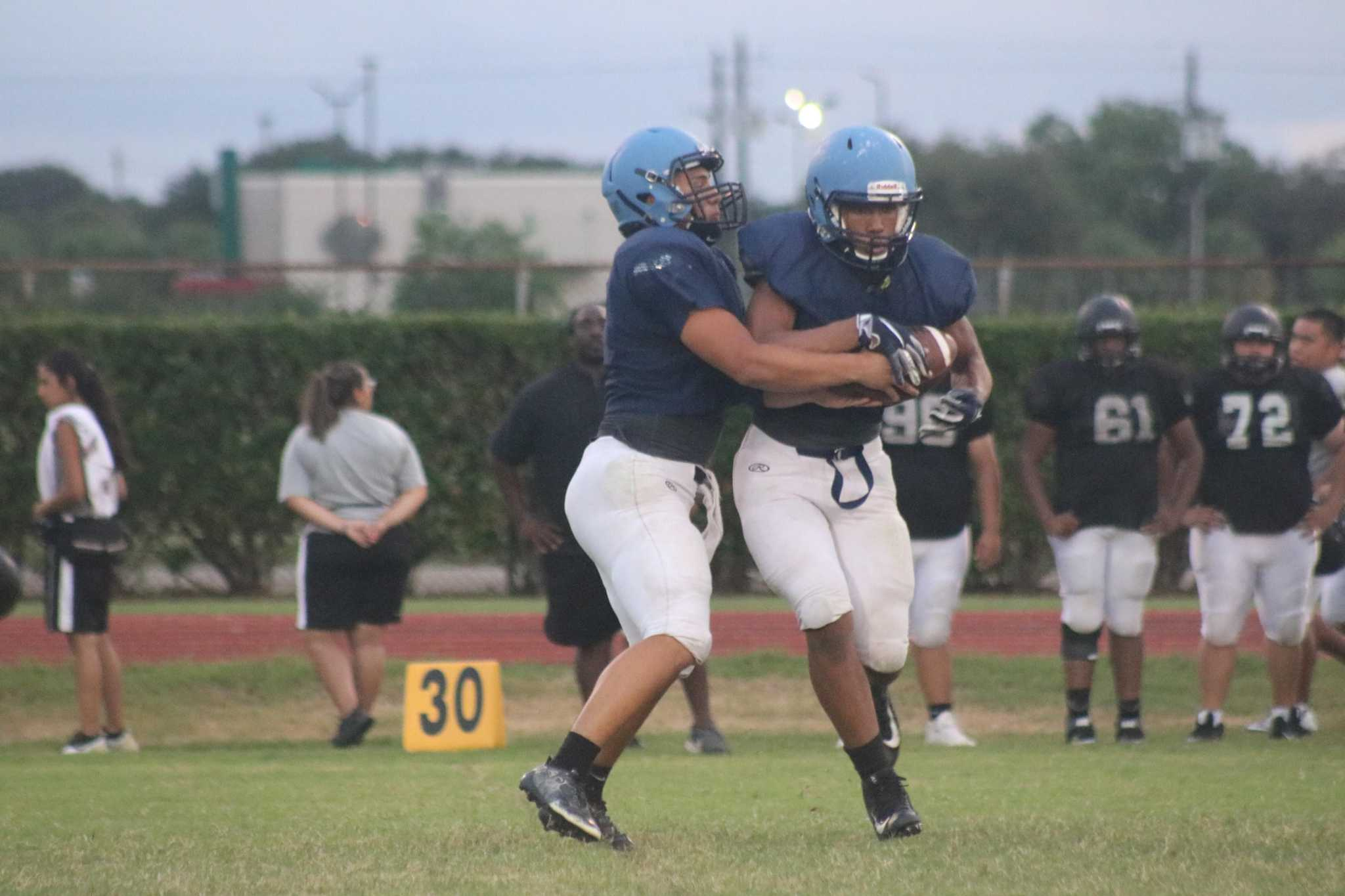 Rayburn gets a 98-yard touchdown run in final scrimmage, but Galena Park racks up 300 yards