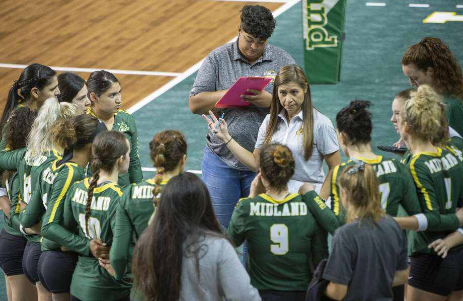Midland College head coach Tammie Jimenez talks with her players between games 08/24/19 as they take on Western Texas College in the Midland College Kickoff Classic at the Chaparral Center. Tim Fischer/Reporter-Telegram Photo: Tim Fischer/Midland Reporter-Telegram